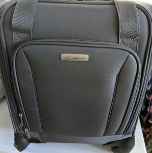 Samsonite Under Seat Carry on bag with USB
